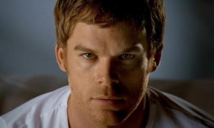 Dexter sessiz sedasız evlendi
