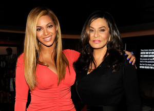 beyonce-ve-tina-knowles-610 × 439