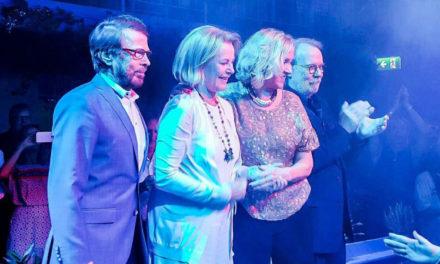 Efsanevi ABBA grubu geri dönüyor