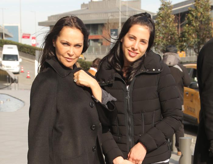 Hülya Avşar kızı Zehra'yı fazla şımarttı!