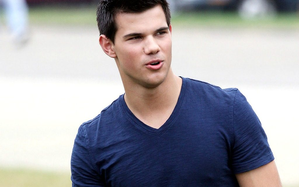 Taylor Lautner'dan hayranlarına müjde
