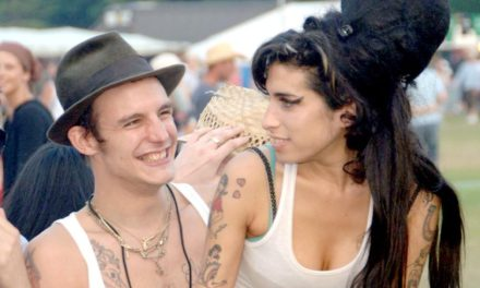 Amy Winehouse intihar mı etti?