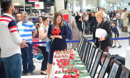 Sibel Can Atatürk Havalimanı şehitlerini unutmadı