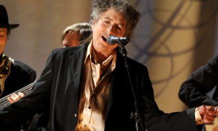 Bob Dylan aylar sonra Nobel Ödülü'ne kavuştu
