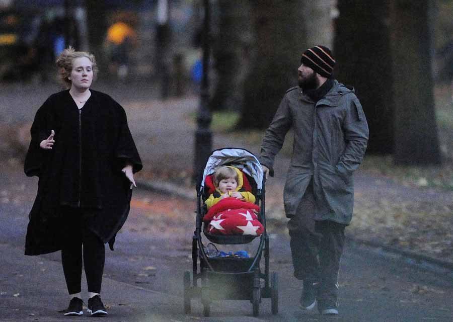Adele ve Simon Konecki evlendi mi?