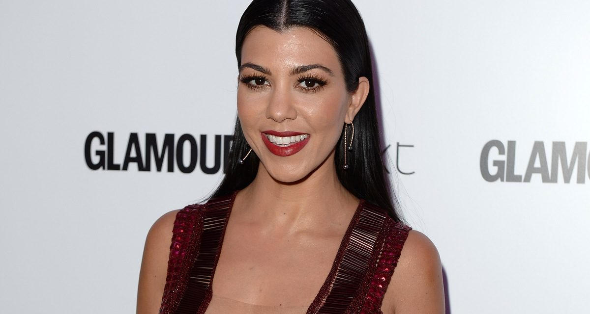 Kourtney Kardashian kendini dine verdi