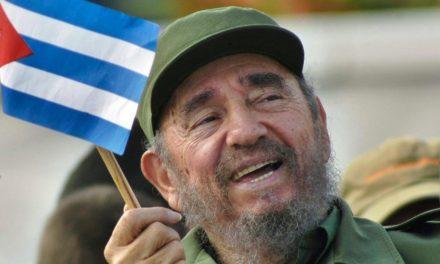 Türk ünlüler Fidel Castro'yu unutmadı
