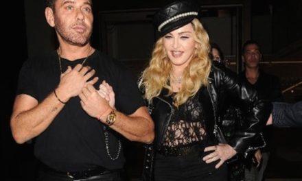 Madonna Mert Alaş'ın sergisini dağıttı!
