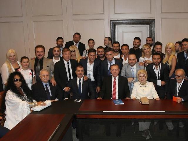 Cumhurbaşkanı Erdoğan'dan iki ünlüye veto!