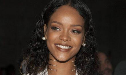 Rihanna babasını mahkemeye verdi!
