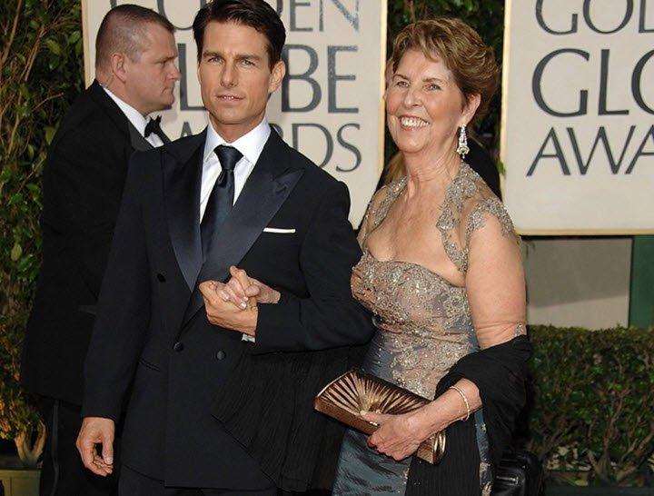 Tom Cruise annesini kaybetti