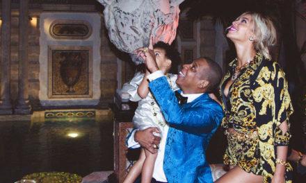Beyonce ve Jay Z saray yavrusu satın aldı