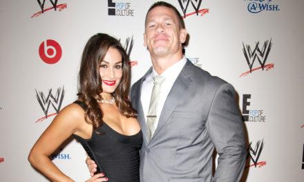 John Cena ve Nikki Bella ringte nişanlandı