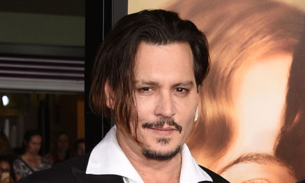 Johnny Depp Donald Trump'tan özür diledi!