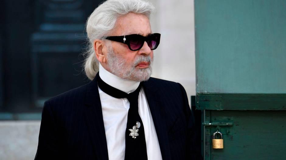 Chanel'in yaratıcı dehası hayatını kaybetti!